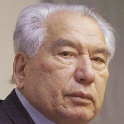 جنكيز إيتماتوف